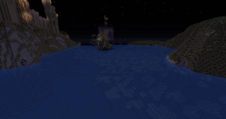 Un petit aperçu de la flotte du port et de la chaîne qui sert à garder celui-ci.