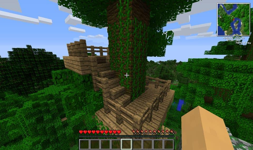Mod Minecraft Ruins : Structure avec escalier dans les arbres