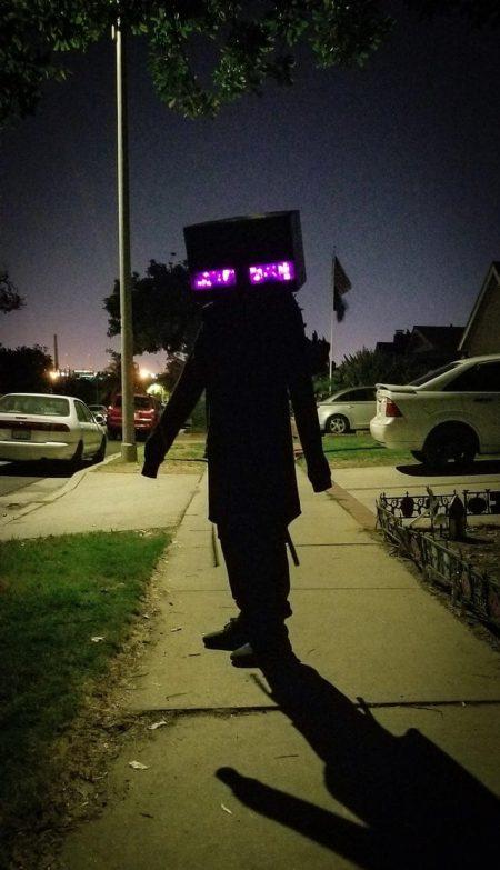 Un Enderman qu'on ne voudrait pas croiser seul la nuit dans le noir.