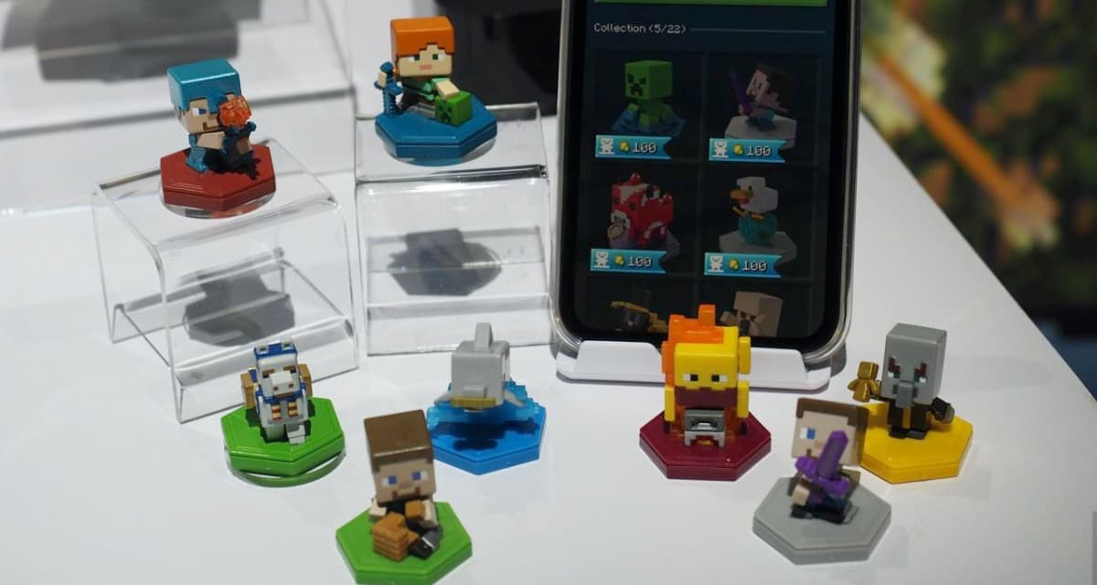 Mini figurines Minecraft Earth téléphone