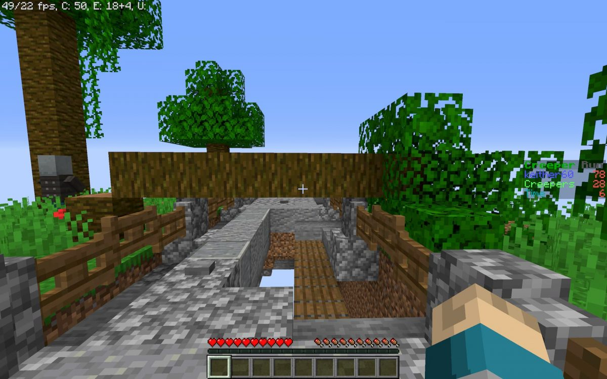 Creeper run map minecraft parkour : un arbre en plein milieu qui va vous ralentir