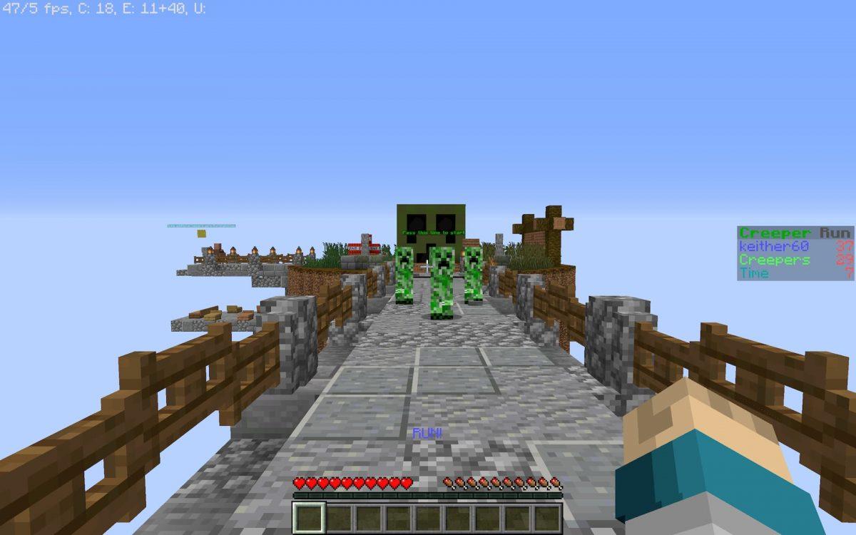 Creeper run map minecraft parkour : voilà ce que vous verrez si vous vous retournez, des creepers qui vous suivent