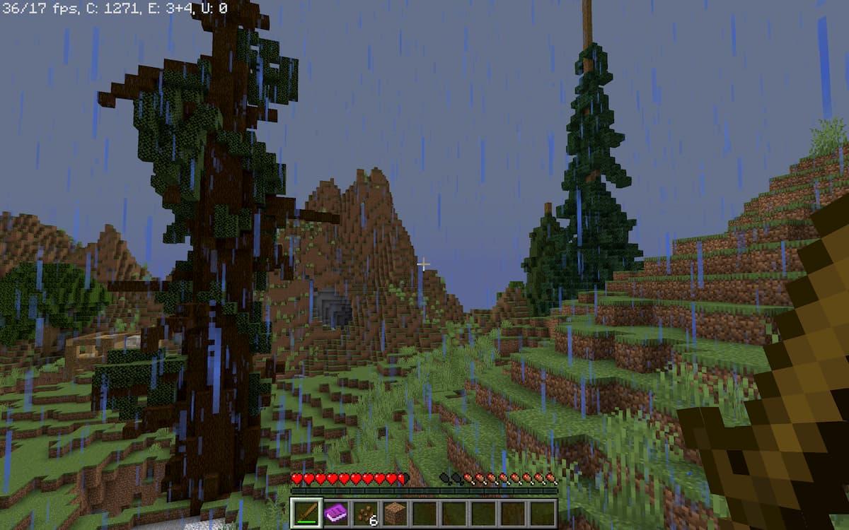 Realism Survival Island : de grands arbres au centre de l'île