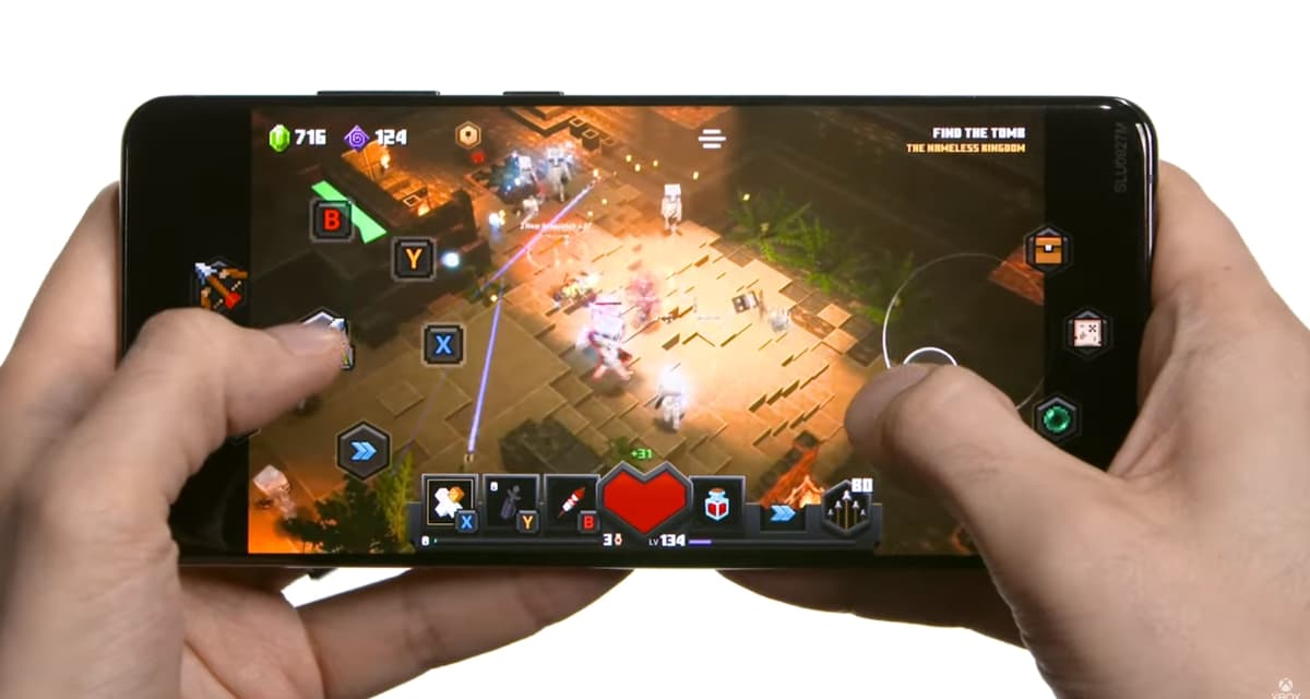Minecraft Dungeons jouable avec un écran tactile sur Xbox Cloud Gaming