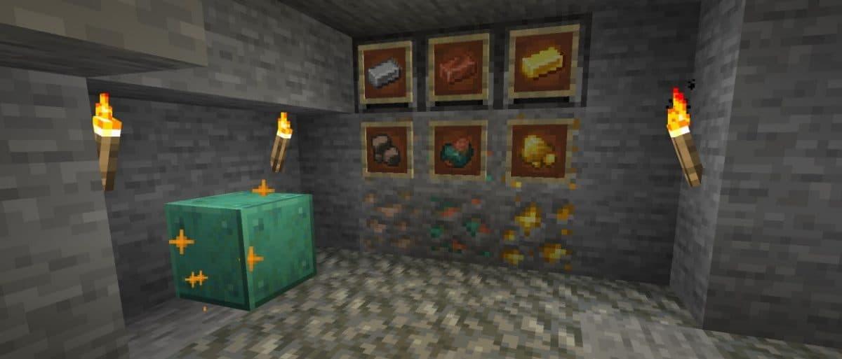 objets en cuivre brut, en fer brut et en or brut.